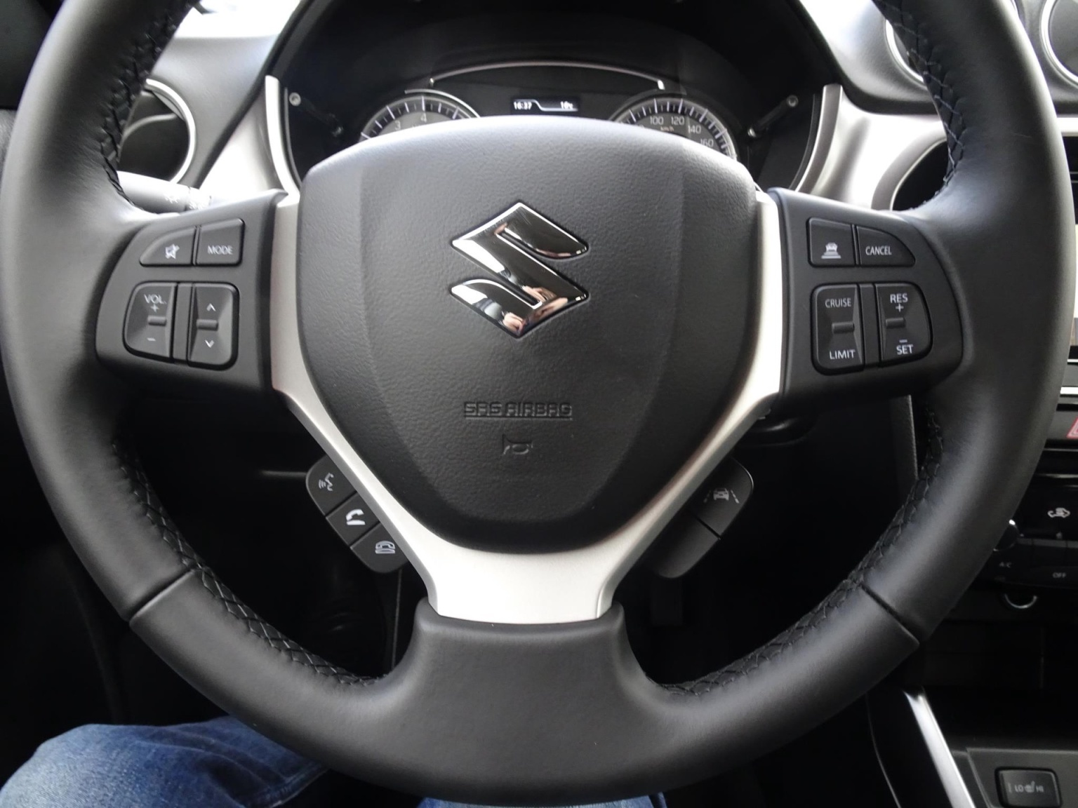 Suzuki-Vitara-21